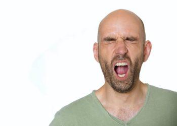 Eine Eichelentzündung verursacht oftmals Schmerzen und einen starken Juckreiz. (Bild: Kitty/fotolia.com)