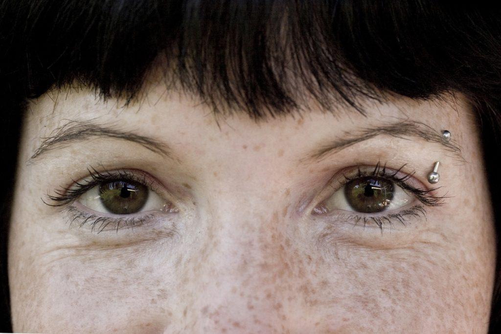 Piercings im Gesicht - Hintergründe, Arten und Durchführung