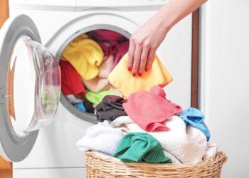 Geschirrspüler und Waschmaschinen können mit Beta-Laktamasen bildenden Bakterien besiedelt sein. (Bild: TR/fotolia.com)