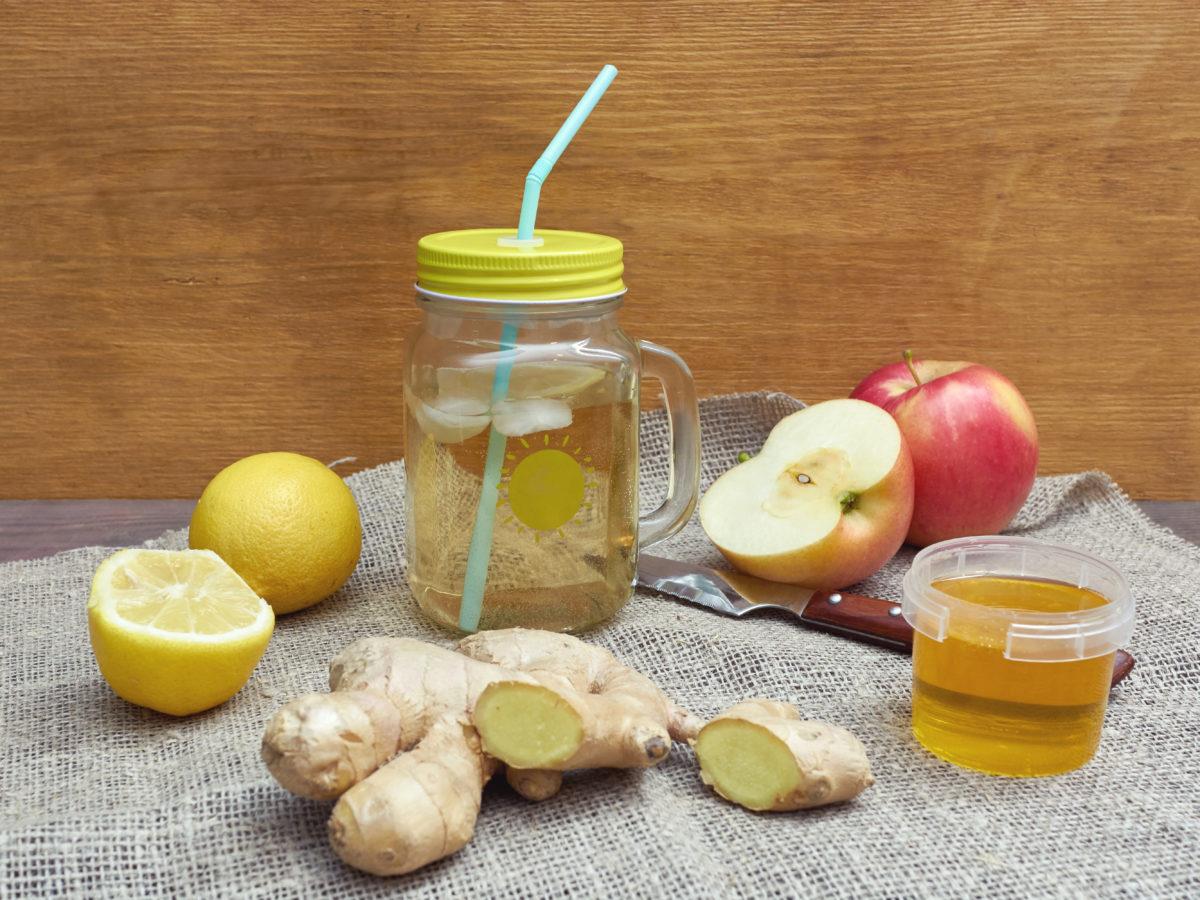 Gekochtes Zitronenwasser zur Gewichtsreduktion