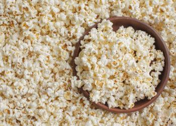 """Die Firma Seeberger ruft den Artikel """"Popcorn-Mais 500g"""" (nicht gepoppt) zurück und bittet die Verbraucher, das Erzeugnis bestimmter Chargen nicht mehr zu verzehren, da darin die Grenzwerte für Schimmelpilztoxine überschritten sein könnten. (Bild: fotofabrika/fotolia.com)"""