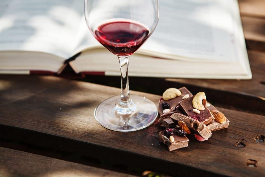schlanker dank kaffee schokolade und rotwein abnehmen mit der sirtfood di t. Black Bedroom Furniture Sets. Home Design Ideas