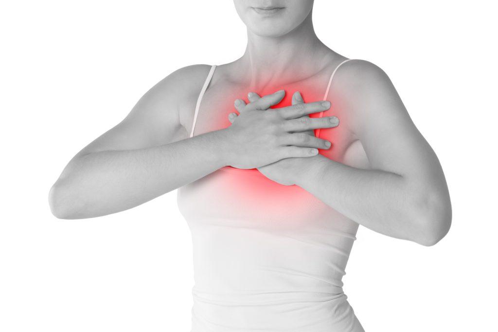 Schmerzen in der Brust? Diese möglichen Ursachen solltest du kennen