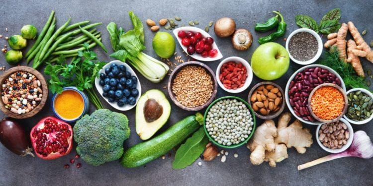 Draufsicht auf gesunde Lebensmittel