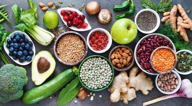 Draufsicht auf sogenannte Superfoods