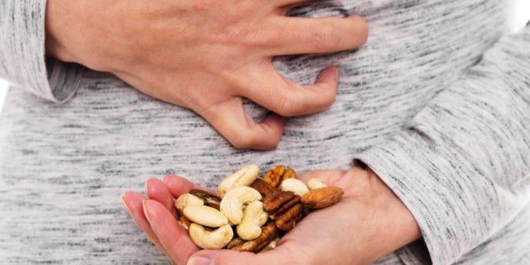 Magen-Darm-Beschwerden wegen Nüssen