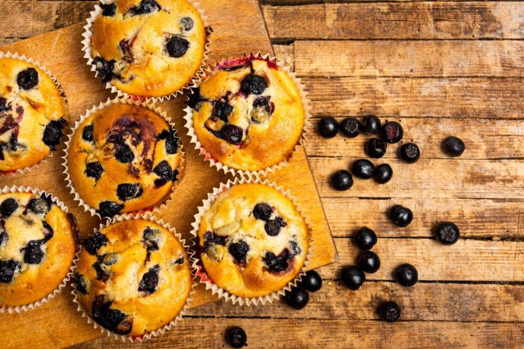 Muffins mit Aroniabeeren