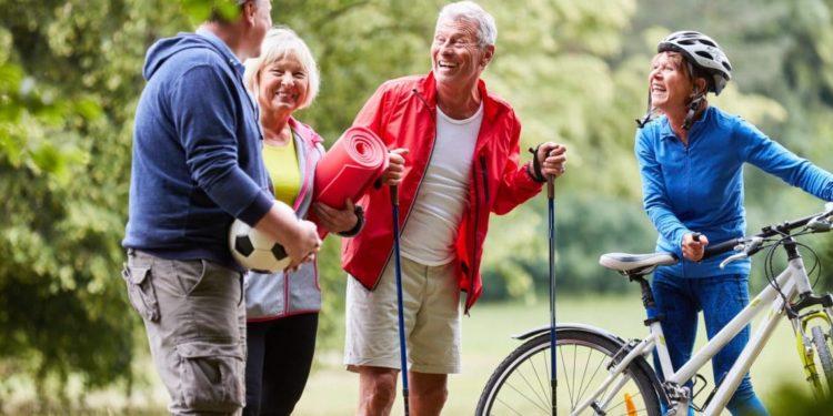 Senioren beim Fitness