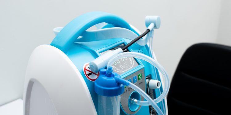 Ein tragbares Sauerstoffgerät.
