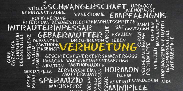 Tafel mit Stichwörtern zum Thema Verhütung.