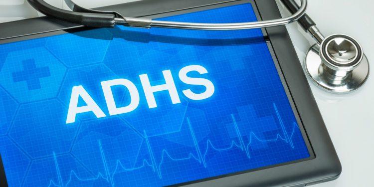 Tablet mit der Diagnose ADHS auf dem Display