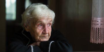 Gesundheitliche Folgen durch Einsamkeit im Alter - Heilpraxis
