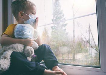 Haben Kinder eine höheres Risiko  an COVID-19 zu erkranken, als bisher vermutet wurde? (Bild: Gargonia/Stock.Adobe.com)