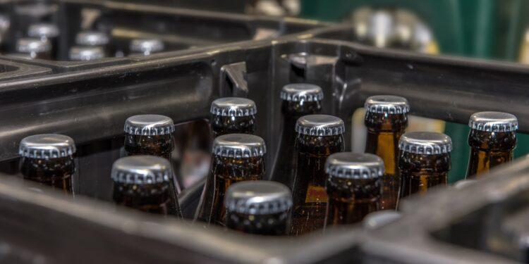 Mehrere volle Bierkisten