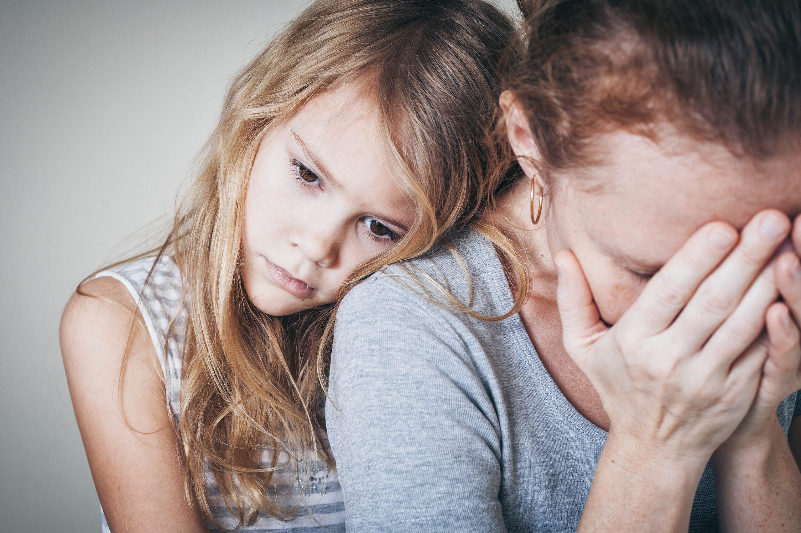 Depression von Müttern hat schlimme Folgen für Kinder - Naturheilkunde & Naturheilverfahren