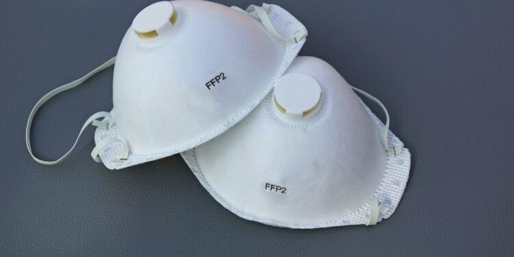 Zwei FFP2 Masken