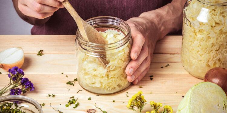 Sauerkrautzubereitung im Glas