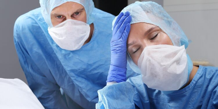 Überlastetes Gesundheitspersonal