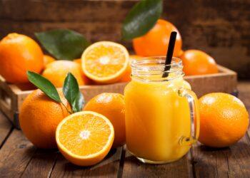 Bild von Orangen und Orangensaft.