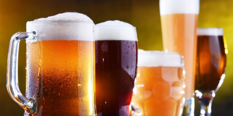 Verschiedene Biersorten in Gläsern