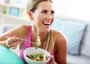 Sportliches Training zusammen mit den richtigen Nährstoffen führt zu erheblichen Vorteilen für Körper und Geist. (Bild: Kalim/Stock.Adobe.com)