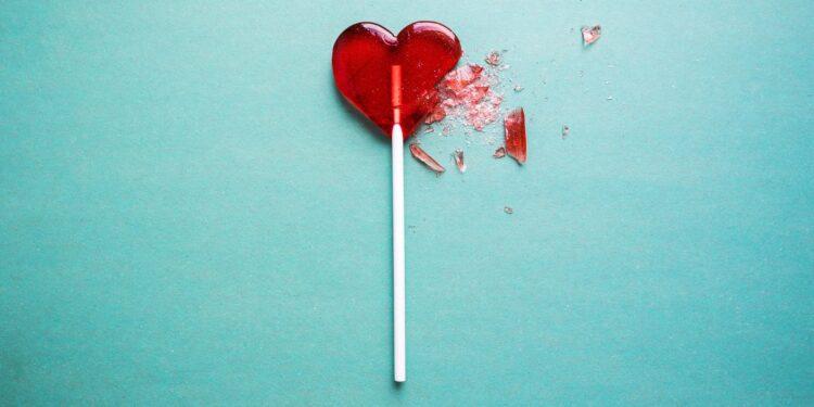 Roter, zerbrochener Herzlutscher.