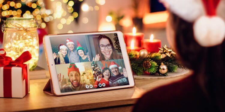 Videokonferenz mit Feunden an Weihnachten.