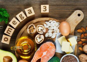 Eine Auswahl von Lebensmitteln mit hohem Omega-3-Gehalt.