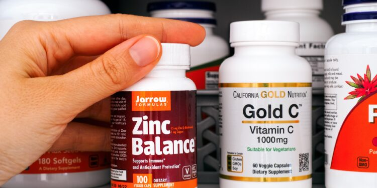 Nahrungsergänzungsmittel mit Zink und Vitamin C.