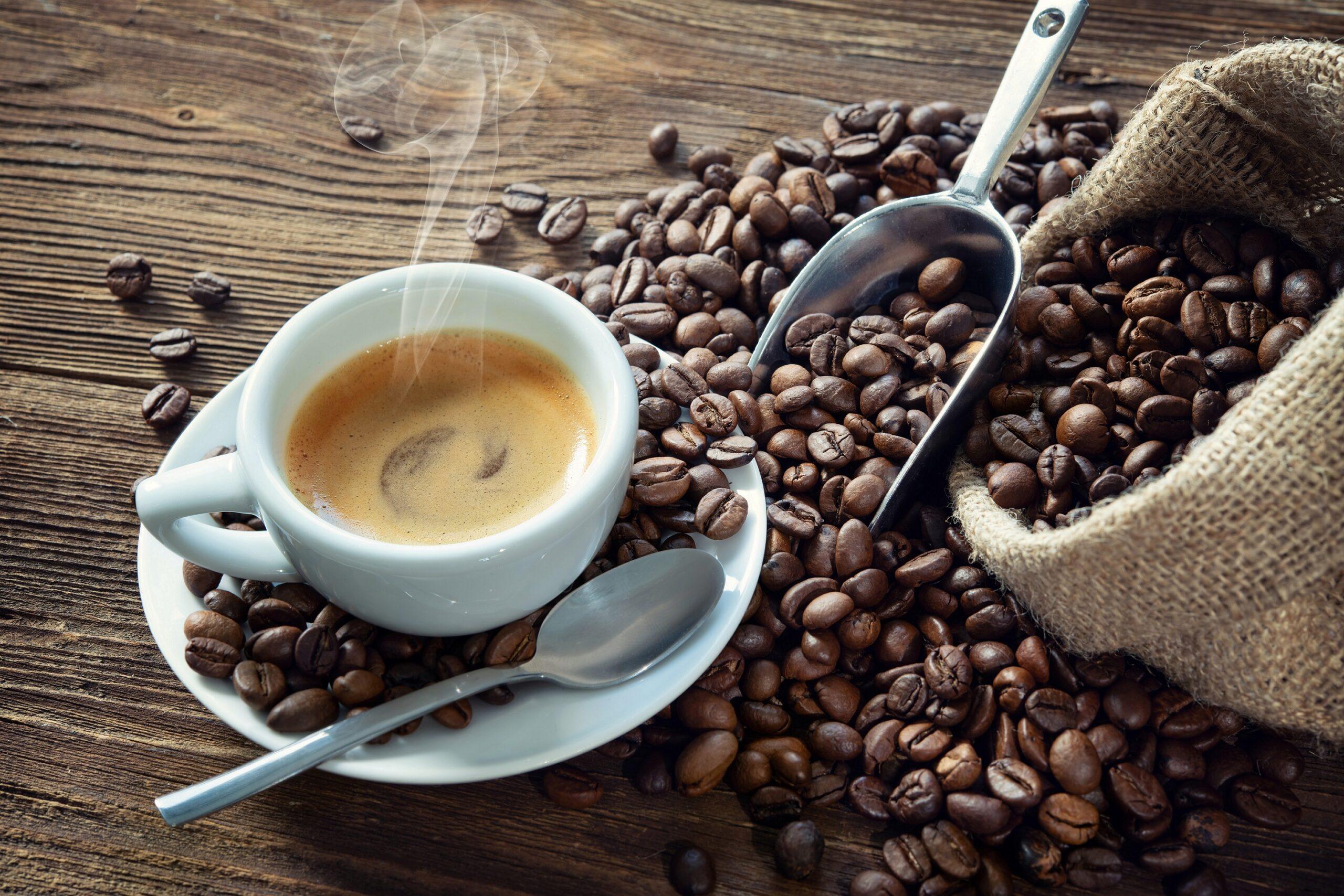 Hoher Kaffeekonsum scheint Risiko für Herz-Kreislauf-Erkrankungen zu erhöhen - Heilpraxisnet.de