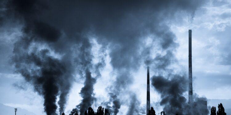 Luftverschmutzung durch Fabrik.