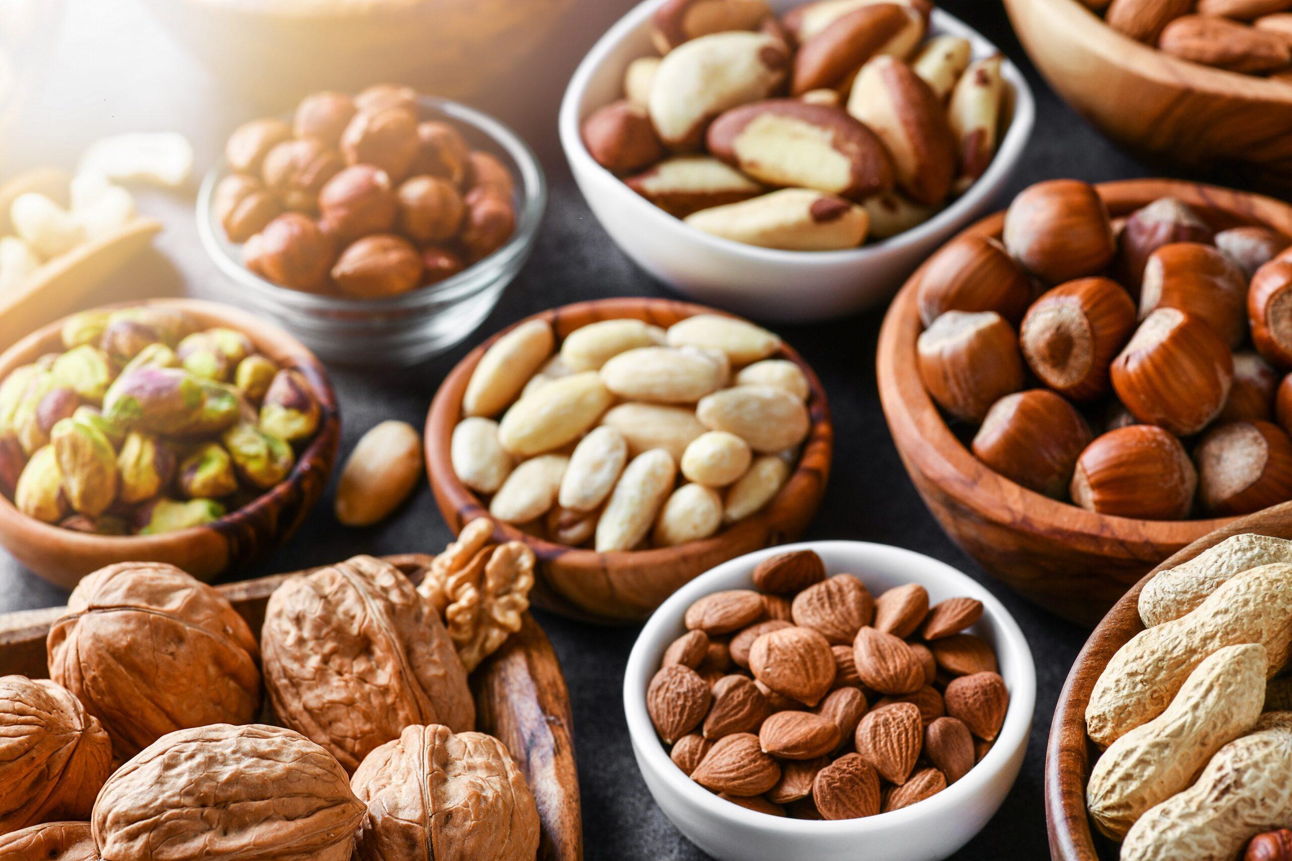 Ernährung: Sind Nüsse geröstet oder roh gesünder? - Heilpraxisnet.de