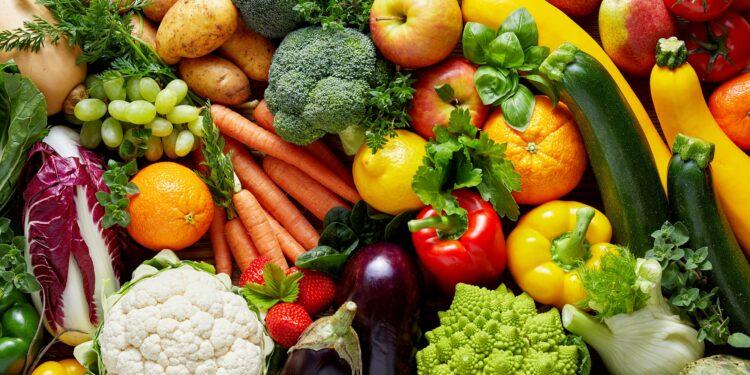 Verschiedene Früchte und Gemüse