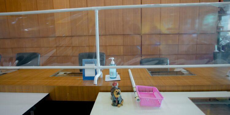 Schutzscheibe in einem öffentlichen Gebäude