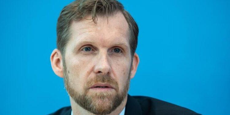 Foto von Leif Erik Sander, Leiter der Forschungsgruppe für Infektionsimmunologie und Impfstoff-Forschung der Berliner Charite.
