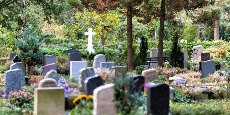 Foto eines Friedhofs.