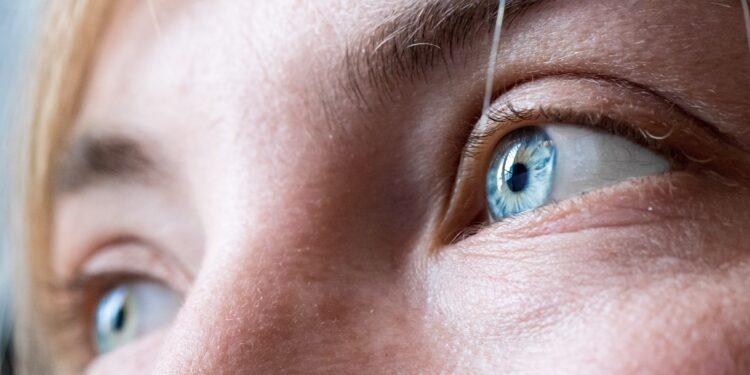 Blaue Augen und Wimpern natürlich, Blick, Breitibld